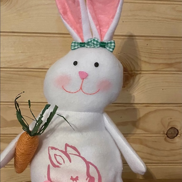 Farmhouse Easter Bunny pig design & slippers